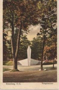 Kopia Pomnik poległych oleśnian w I wojnie światowej z 1923 r. Zniszczony przez Sowietów. Na jego  miejcu postawiono w 1945 r.  pomnik Żołnierzy Armii Czerwonej