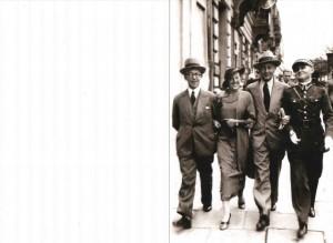 Na ul. Marszałkowskiej w W-wie przed 1939 r., w mundurze ojciec Teofil Burakowski , wujostwo Mroczkowie