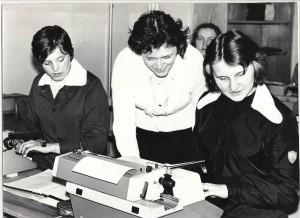 Nauka pisania na maszynie-p.prof. Maria Olszok