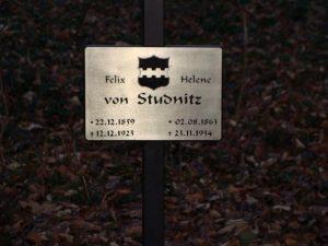 grób Feliksa i heleny von Studnitz