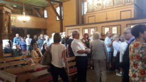 Uczestnicy 27. edycji Europejskich Dni Dziedzictwa podczas zwiedzania pątniczego kościoła św. Anny w Oleśnie.
